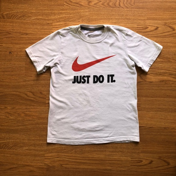 new arrivals differently meet Nike Just Do It t-shirt - kids size small